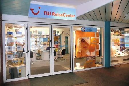 Eingang ins TUI Reisecenter in der Dingstätte 34